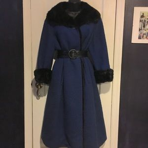 Tailored Woman Vintage Fur Lined Blue Coat